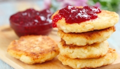 ​The Best Coconut Pancakes With Raspberry Compote